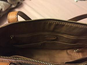 Fossil leather tote bag great condition Gatineau Ottawa / Gatineau Area image 3