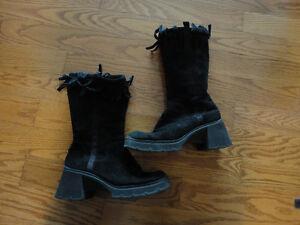 Fish Bone Suede Ladies boots