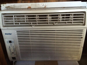 2 AC  air conditioning Units