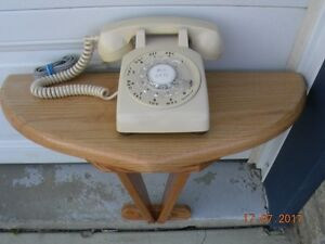 ROTARY DIAL TELEPHONE & WALL MOUNT STAND