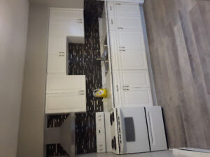 One bedroom modern unit great location