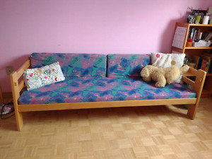 Single bed for kid