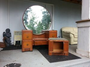 ANTIQUE WATERFALL  VANITY WITH ROUND MIRROR COMPLETE WITH STOOL