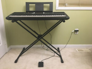 YAMAHA Keyboard and Stand for Sale.