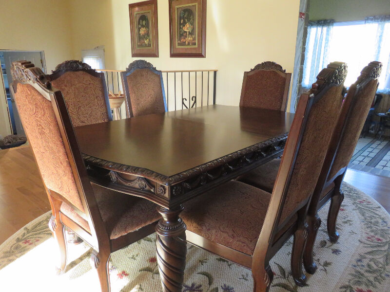 Formal Dining Table dining tables and sets Ottawa Kijiji : 20 from www.kijiji.ca size 800 x 600 jpeg 106kB