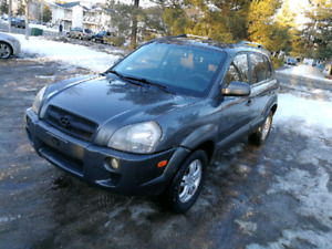 HYUNDAI TUCSON 2006 Low km  and bluetooth and remot  start