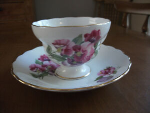 BONE CHINA CUPS AND SAUCERS Kitchener / Waterloo Kitchener Area image 1