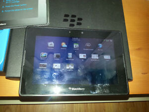 Tablet BlackBerry PlayBook 32 GB, like new, no scratches