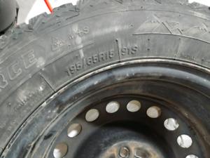 4 pneus d'hiver 195\65R15 avec rims 15''