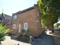 2 bedroom house in Farrins Rents, Rotherhithe SE16