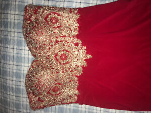 Used Prom/Bridesmaid Dress! Great Conditon. Size 14
