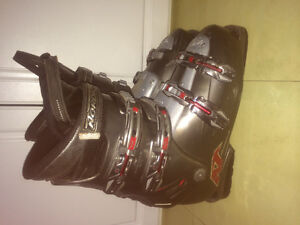 Nordica easy move HP downhill skis boots size 10.5 mens Edmonton Edmonton Area image 1
