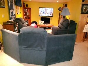 3 Piece Sectional Couch -Used -Perfect for Rec.Room or Mancave Cambridge Kitchener Area image 5