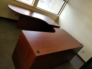 Office Executive Desk 5 x 2.5