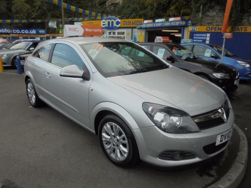 2010 vauxhall astra 1 6 sri sport hatch in silver 3 door. Black Bedroom Furniture Sets. Home Design Ideas