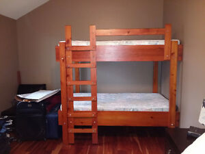Bunk Beds with Clean Mattresses