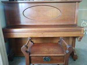Mignon piano and stool