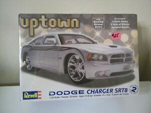 REVELL UPTOWN 1:25 SCALE MODEL KIT DODGE CHARGER SRT8 UNOPENED