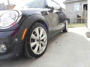 Best priced 2013 Mini Cooper Classic on Kijiji