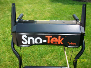 Newer Ariens Sno Tek Snowblower...MINT