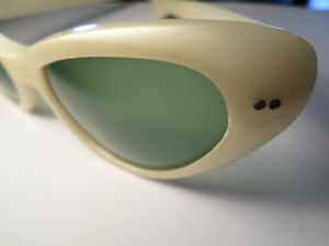 RETRO Cool Ray Poloroid Sunglasses  (VIEW OTHER ADS)) Kitchener / Waterloo Kitchener Area image 5
