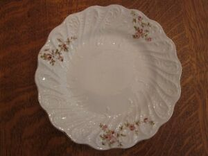 """Vintage 7"""" china plate - white with dainty pink roses"""