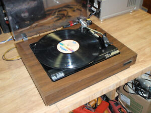 Table tournant Realistic audio turntable