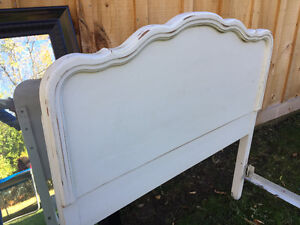 Twin bed and two mirrors  - must sell Belleville Belleville Area image 3