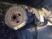 225-85-16 pneu d'hiver