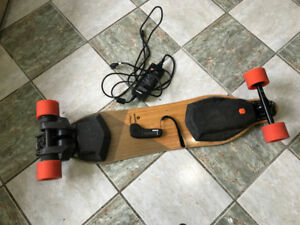 2017 V2 Boosted Board Dual+ LOW MILEAGE!