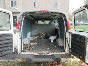 2002 GMC Savana cloth vynel Minivan, Van Windsor Region Ontario image 4
