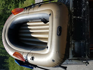 Raft, habits de plongée/Raft, diving suits