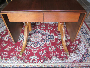 Krug Walnut dining table with two leaves & inserted leaf Kitchener / Waterloo Kitchener Area image 3