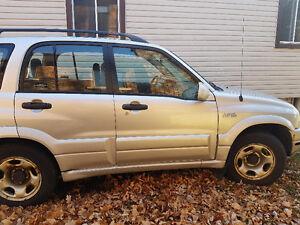 2002 Suzuki Grand Vitara JX SUV, Crossover