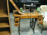 WORKING ELECTRIC SINGER SEWING MACHINE 1957 METAL TREADLE MARKED