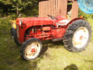 Tracteur Ferguson 1952 - model TEA 2085