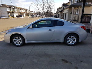 2009 Nissan Altima 2.5 S Coupe **** Low Mileage - 99,691 kms ***
