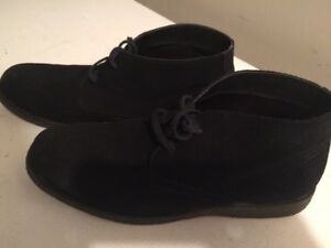 Men's Black Suede Chukka Boots, size 11M