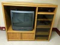 Tv/entertainment center.