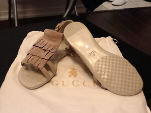 Baby Gucci shoes brand new never wear size 30 (20cm) $150 obo