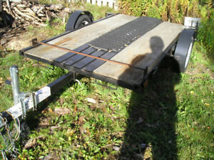 UTILITY TRAILER (APROX 5' X 8')  WITH TILT