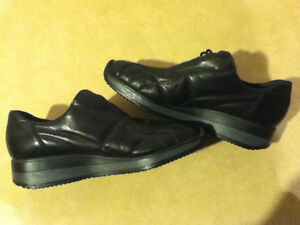 Women's Rieker Leather Shoes Size 7.5 London Ontario image 5