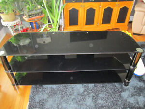 REDUCED *TECH CRAFT MODERN TV STAND BLACK TEMPERED GLASS 3 LEVEL
