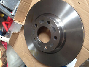 Disques et plaquettes de frein pour Mazda 5 Saguenay Saguenay-Lac-Saint-Jean image 1