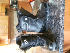 Black Morrow Snowboard Boots Size 11