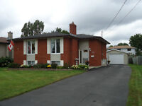 OPEN HOUSE SATURDAY (12:30PM-1:30PM) 26 Beaver Cres Great home