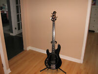MUSICMAN FRETTLESS BASS GRAPHITE NECK 1983 CUTLASS1