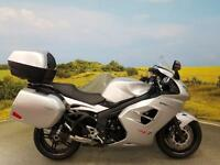 Triumph Sprint GT 1050** ABS, DATATOOL, PANNIERS AND TOPBOX**
