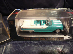 1955 PONTIAC STAR CHIEF & WOODY WAGON 1:64 SCALE DIECAST