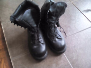 Men's Canadian Gore-tex wet weather boots (military)